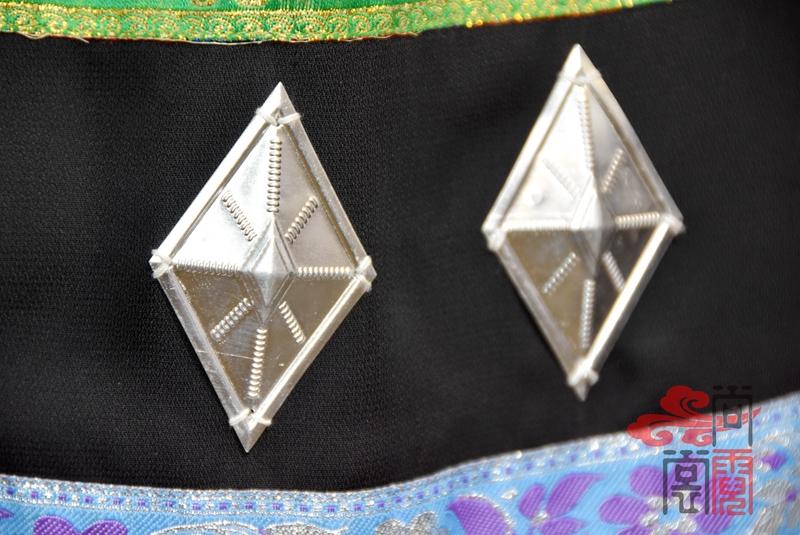 佤族舞蹈服装08