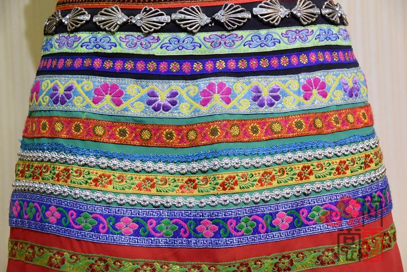 佤族舞蹈服装09