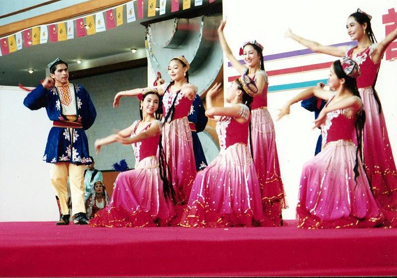 维吾尔族服饰