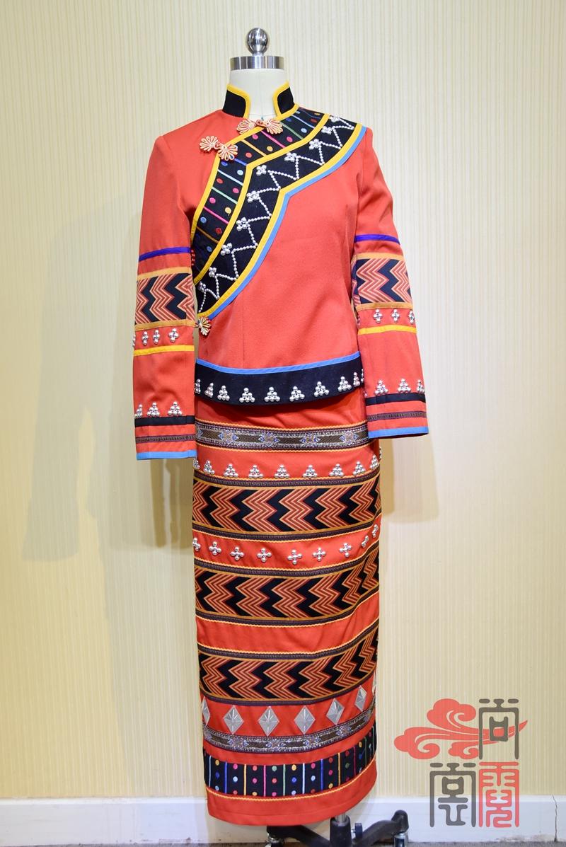 纺织织锦景颇族女装