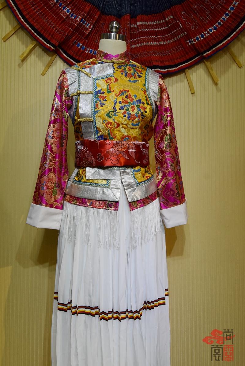 少数民族服饰藏族传统女装03