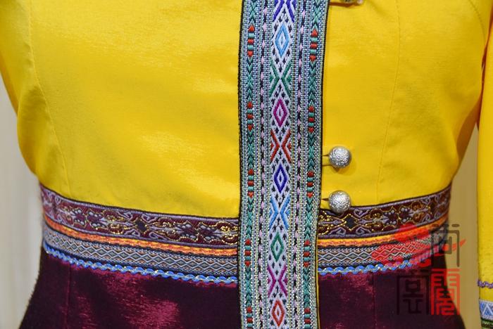 傣族服饰15