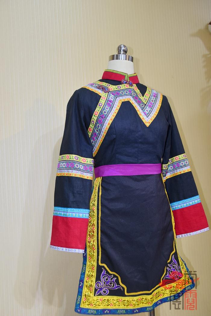 苗族服装06