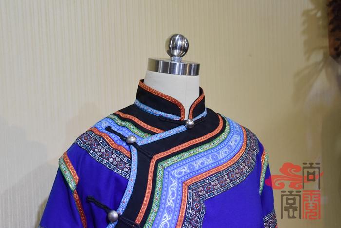 少数民族服饰彝族服装11