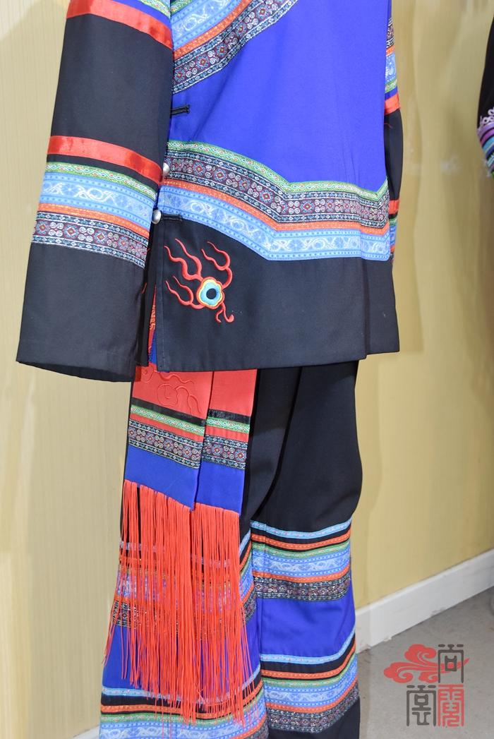 少数民族服饰彝族服装12