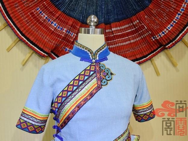 少数民族服饰壮族服装
