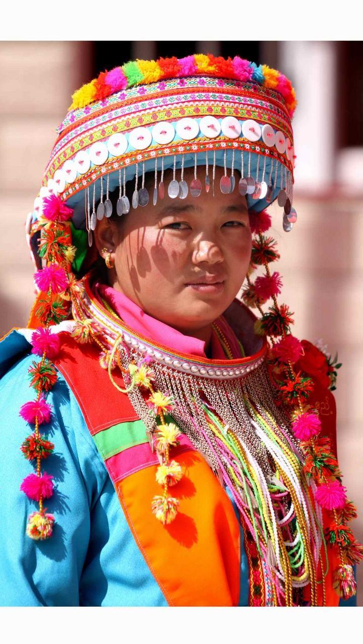 傈僳族妇女服装