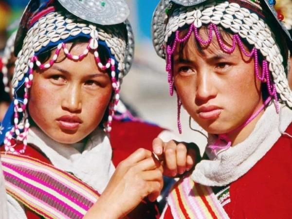 云南少数民族服饰-傈僳族服装特点图片