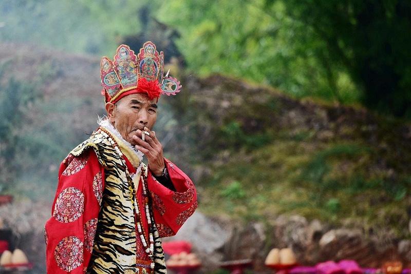 纳西族男子服装