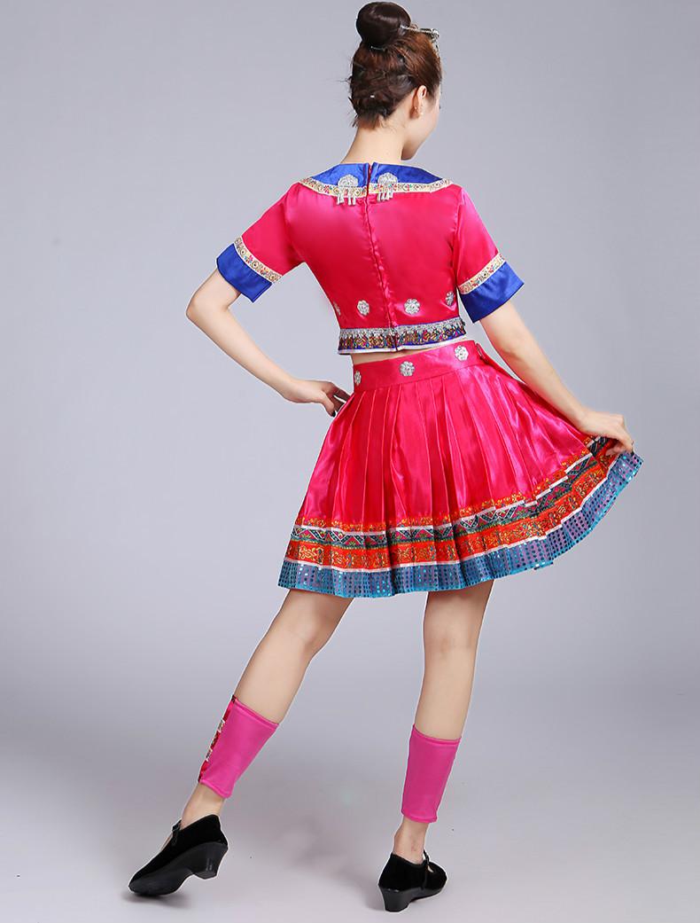 苗族莲花民族服装3