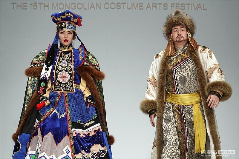 蒙古族服装