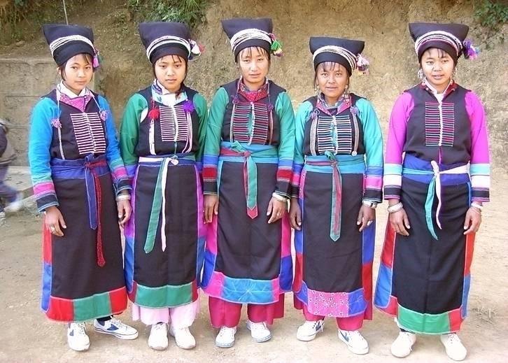 施甸布朗族妇女服饰