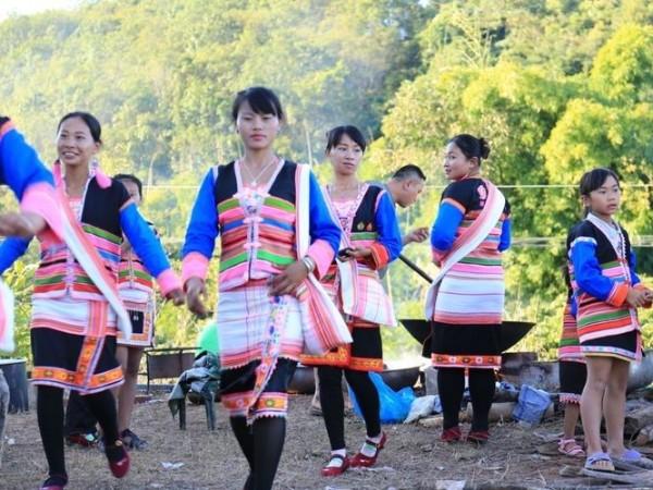 云南少数民族服饰-基诺族服饰特点图片