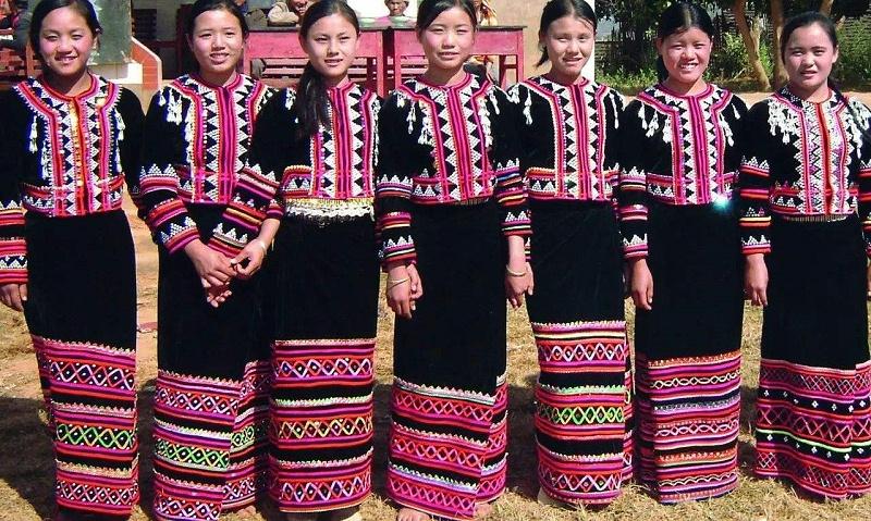 拉祜族筒裙服装