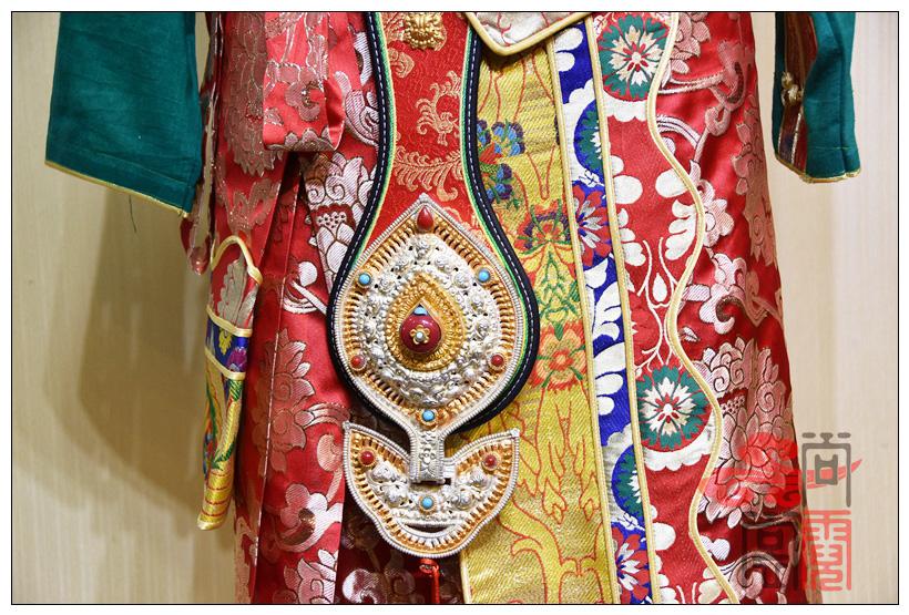 藏族传统服装女装07
