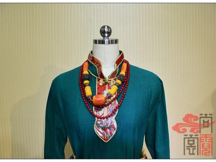 少数民族服饰藏族女服