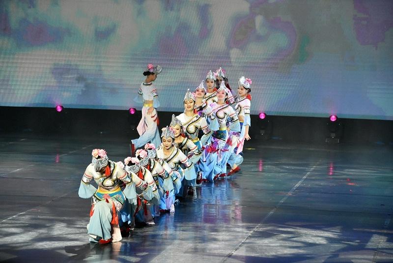 七彩云南·欢乐世界民俗文化展现