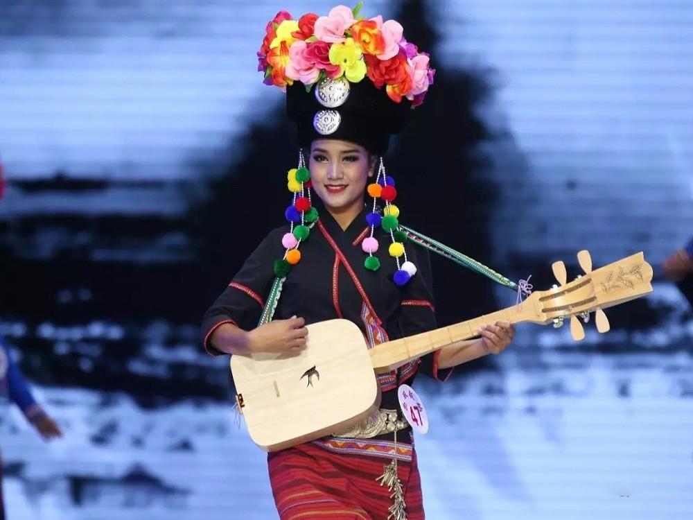 云南傣族服饰