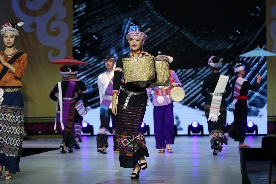 傣族舞台表演服饰