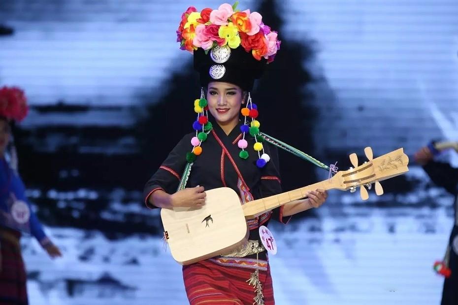 傣族表演服饰
