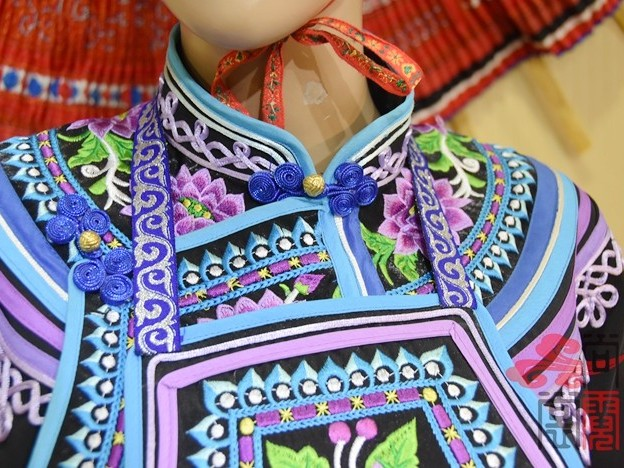少数民族服饰彝族贵族服饰