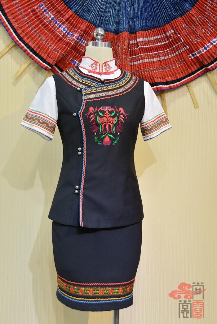 少数民族服饰彝族服装0