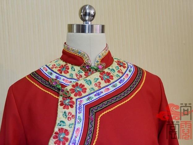 少数民族服饰传统彝族女上衣