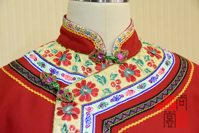 彝族服装3