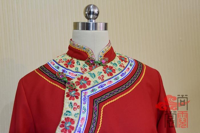 彝族服装4