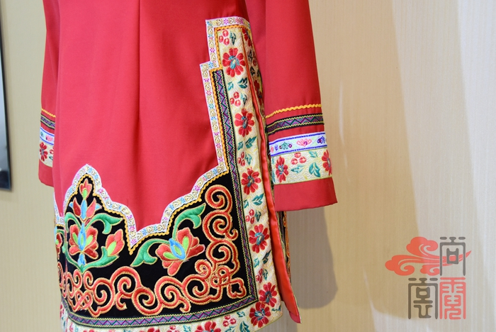 彝族服装8